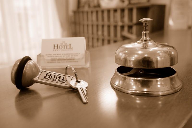 Hotel64sep_01